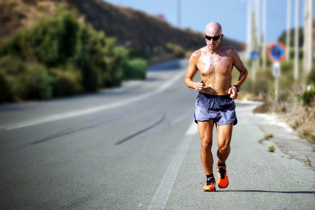 biegacz kolana wysiłek