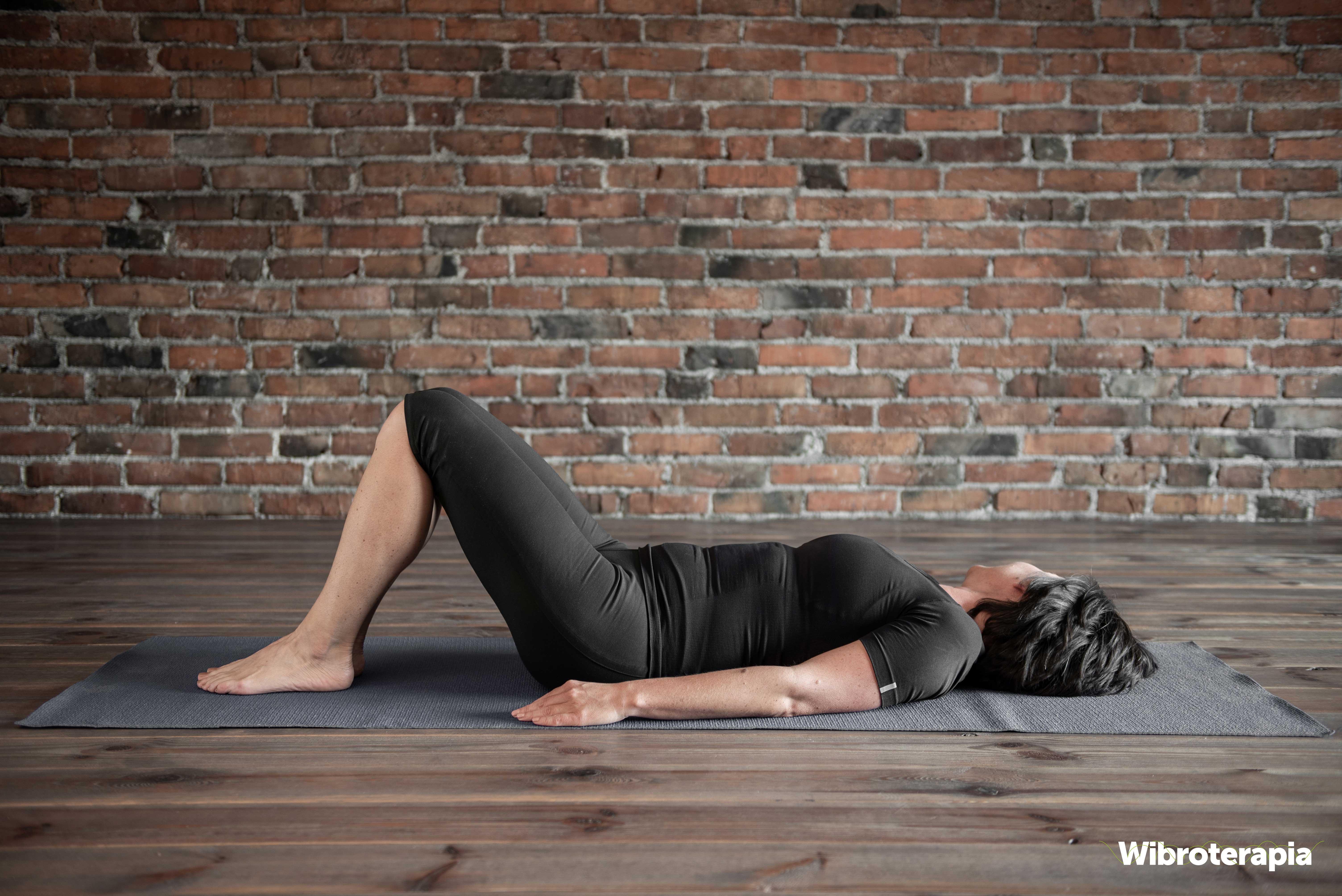 Pozycja wyjściowa - leżenie ze zgiętymi kolanami