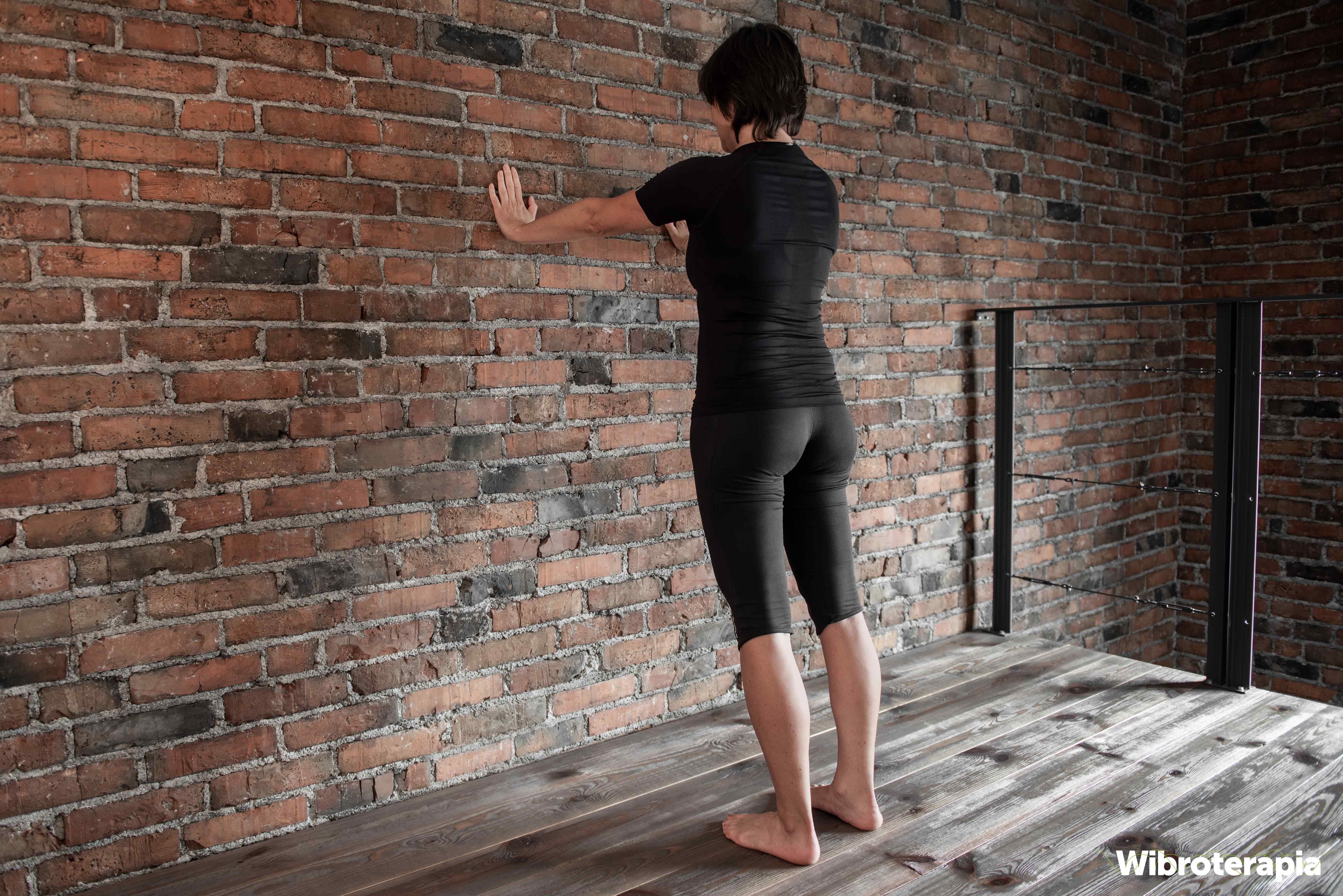 Pozycja wyjściowa do pompek przy ścianie