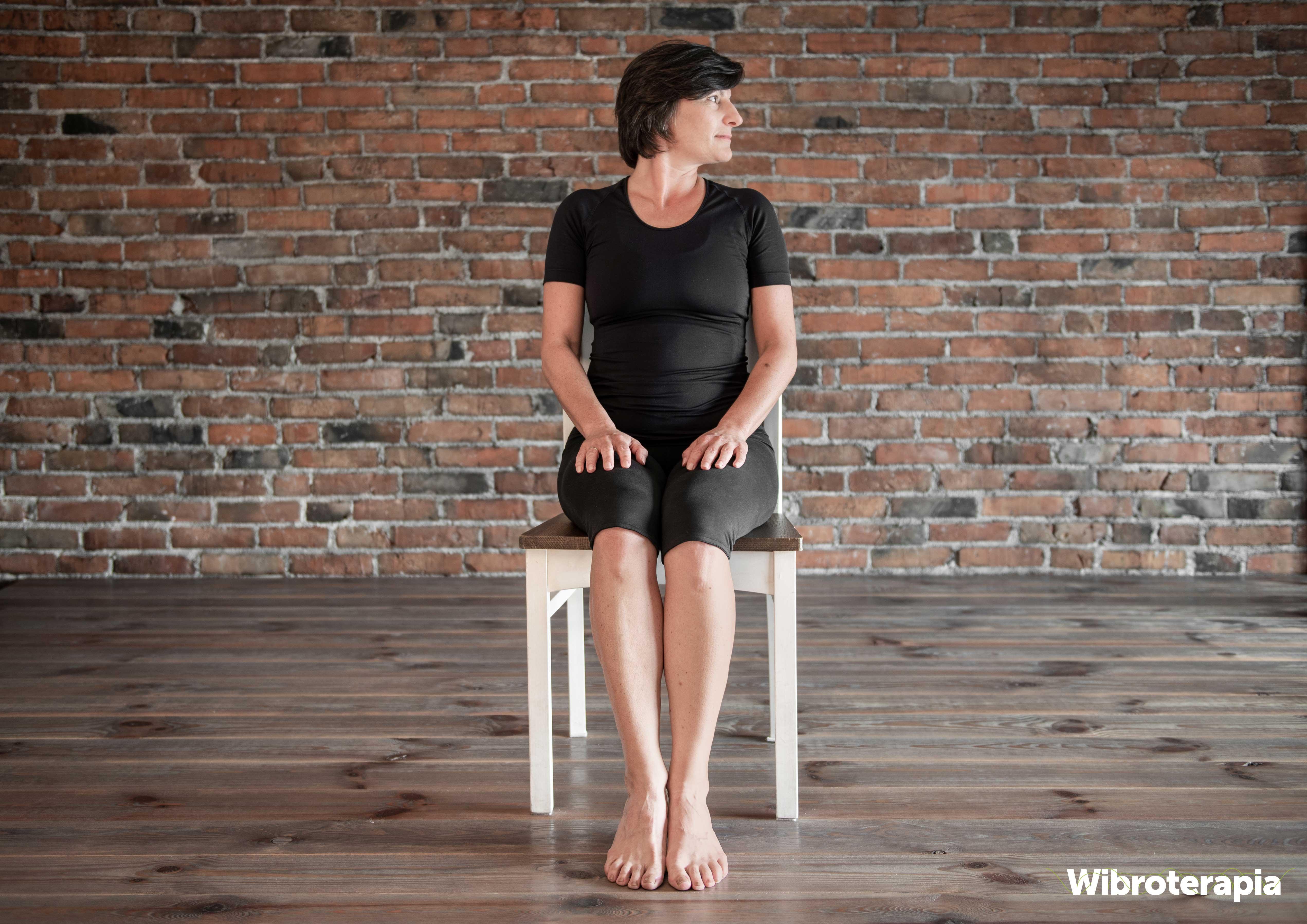 Ćwiczenia na ból szyi i karku - skręcanie głowy w lewo