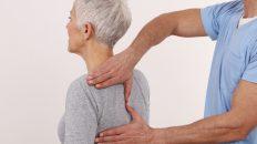 Ból pleców w górnej części - leczenie bólu między łopatkami